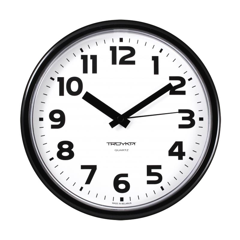 Sienas pulkstenis TROYKA, ar diametru 23 cm, balts melnā korpusā